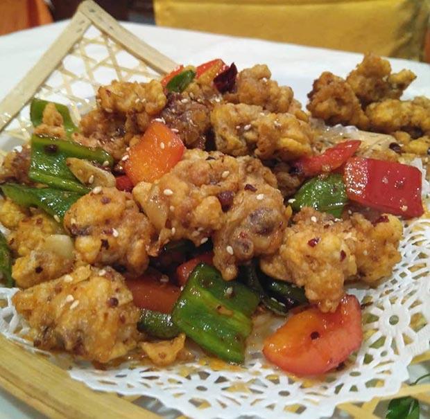 Plato principal en el Restaurante chino Xin Qiao
