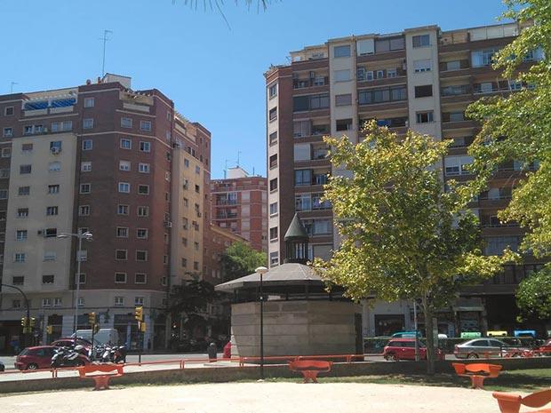 Salida de emergencia en la Avenida del Tenor Fleta, del túnel ferroviario existente entre las estaciones de Zaragoza-Delicias y Miraflores