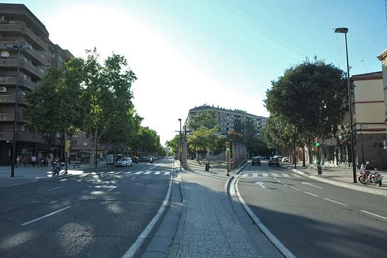 Vista de la Avenida Almozara desde la Plaza Europa