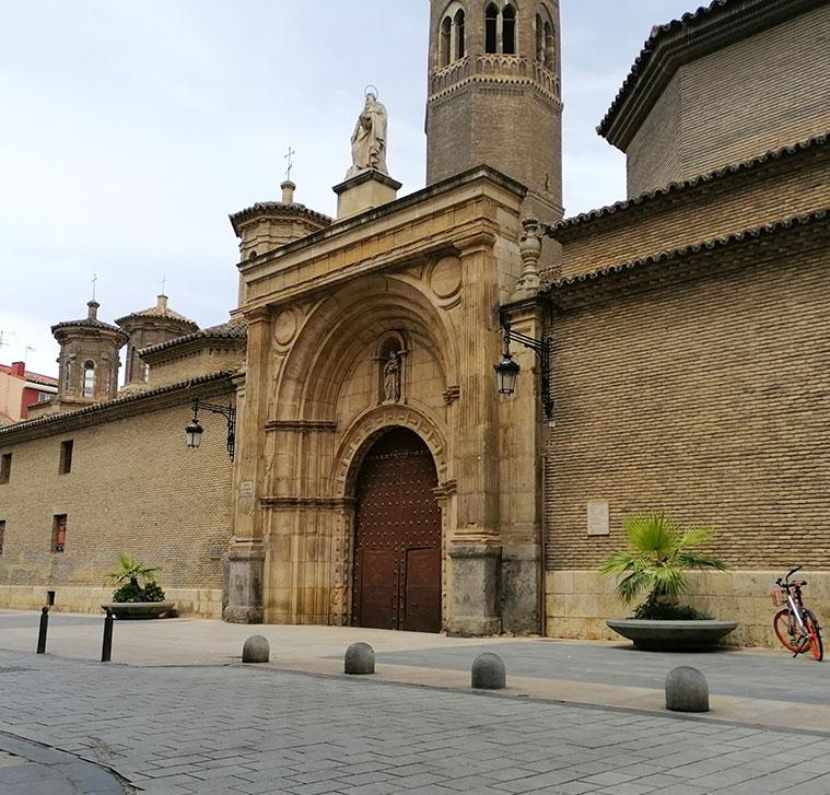 Vista de la Iglesia de San Pablo desde la calle homonima