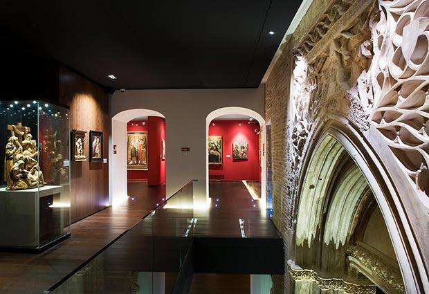 Dentro del museo podemos descubrir tesoros artisticos de distintas epocas y estilos