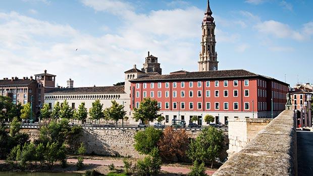 Cimborrio y torre desde el Ebro