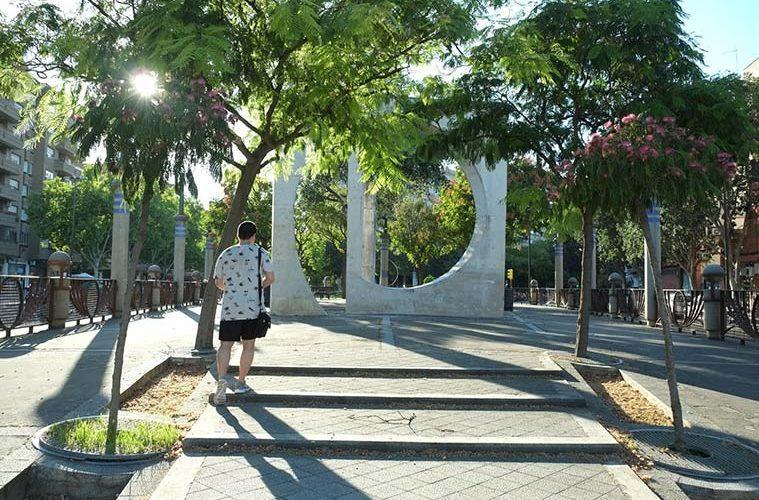 avenida almozara monumento a la puerta sancho