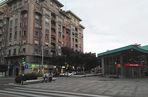 Estación de cercanías en la Avenida Goya