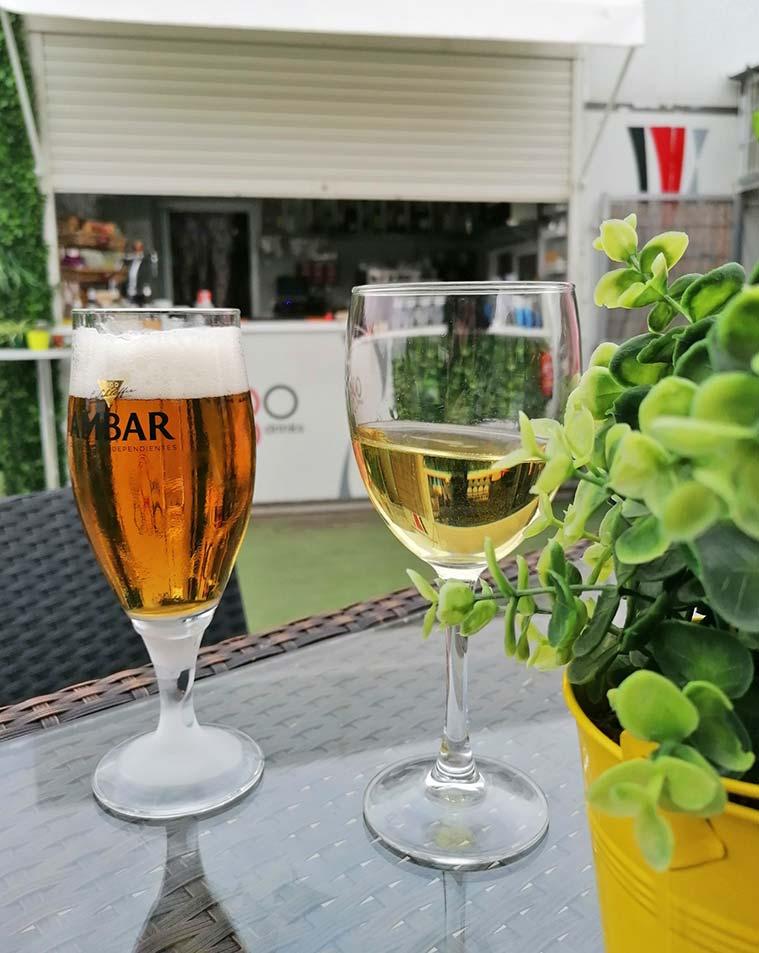 bebidas en la terraza el lago de zaragoza