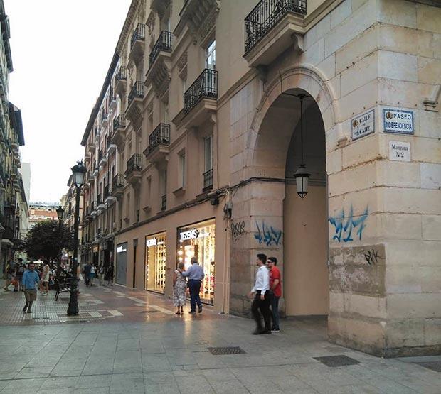 esquina de la calle cadiz y el paseo independencia de zaragoza