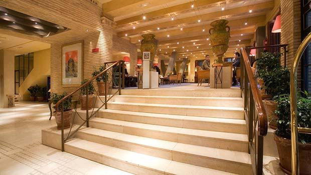 Lobby del Hotel Palafox