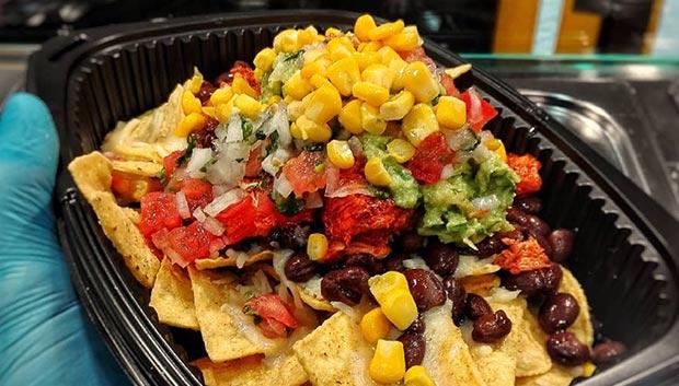 platos mexicanos en la taqueria de zaragoza el burrito azteca