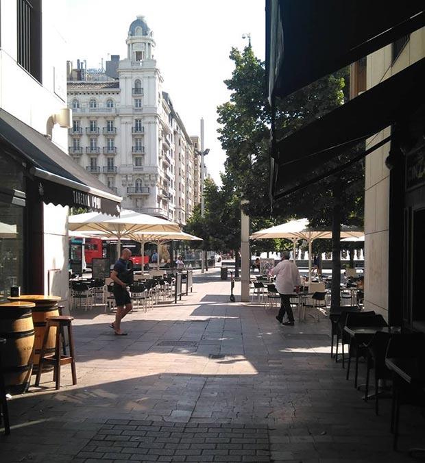 Vista del Coso y La Plaza España desde la Calle Mártires