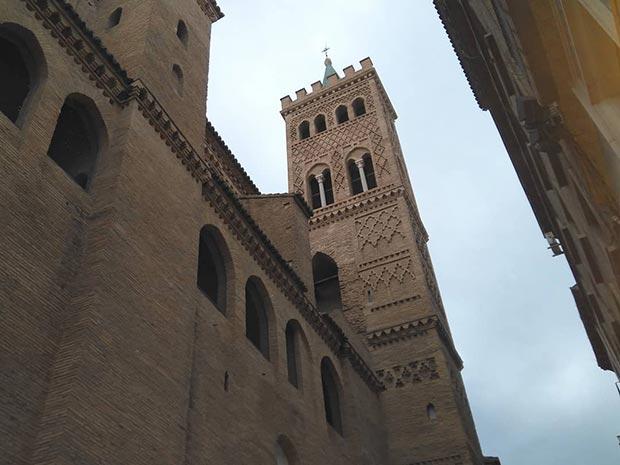 torre campanario mudejar d ela torre san gil de zaragoza