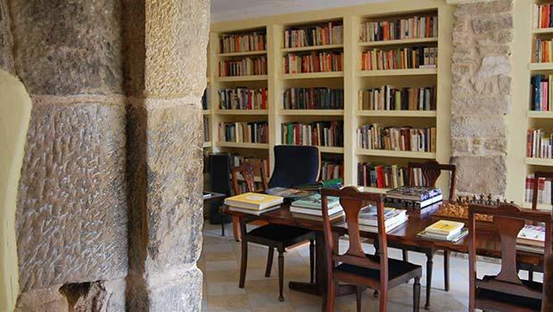 Sala de Estar y Biblioteca de La Torre del Visco