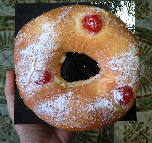 Un tradicional roscón con motivo de la festividad de San Valero