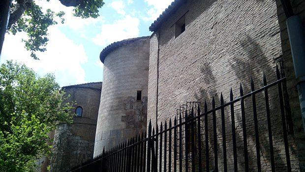 Lienzos y torreones integrados en el Convento del Santo Sepulcro