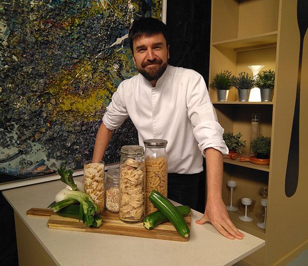 El cocinero Daniel Yranzo participa en el programa La Pera Limonera de Aragón TV