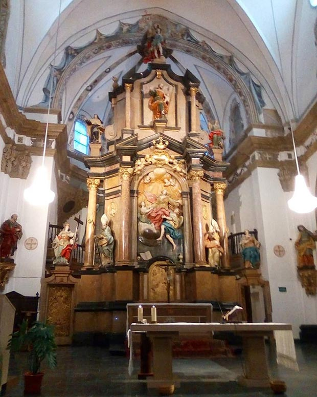 Interior en la Iglesia de la Magdalena