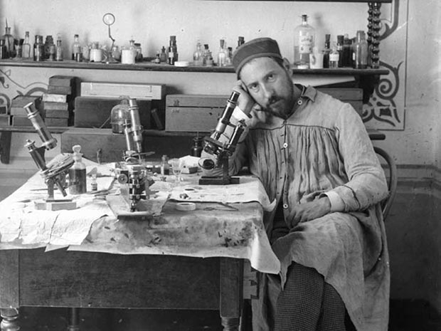 Ramon y Cajal (1884-1887) autoretrato en Valencia