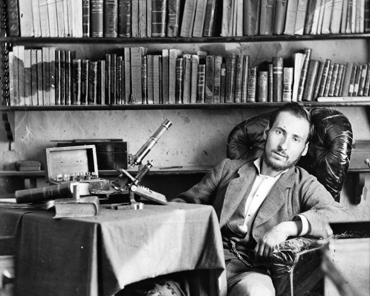 Santiago Ramón y Cajal, estudiante de medicina en Zaragoza (hacia 1876)