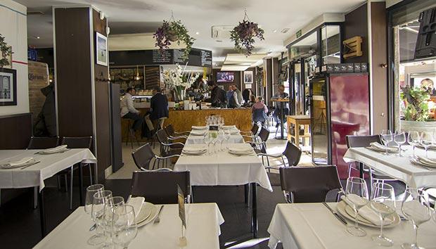 barra del restaurante azarina fusion zaragoza