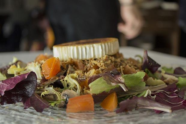 ensalada del restaurante azarina fusion zaragoza