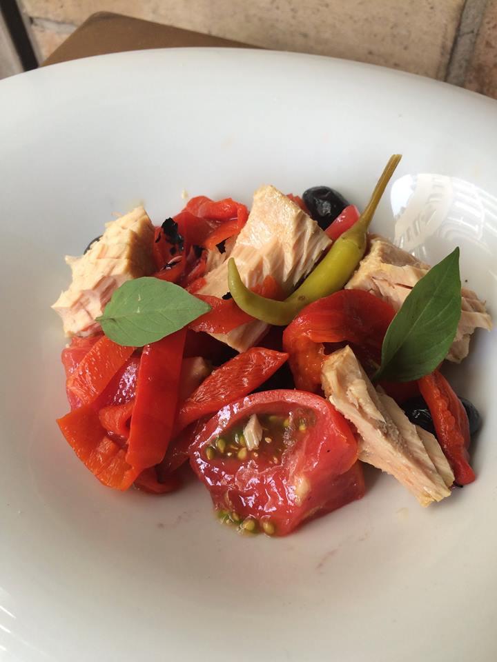 ensalada en el bar restaurante rinconete zaragoza
