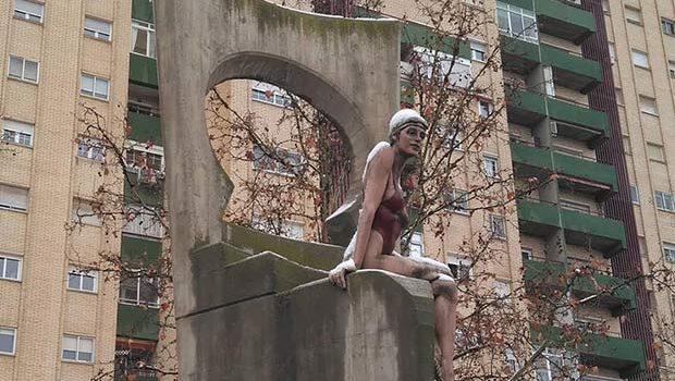 Escultura La Bañista en el Barrio de San José