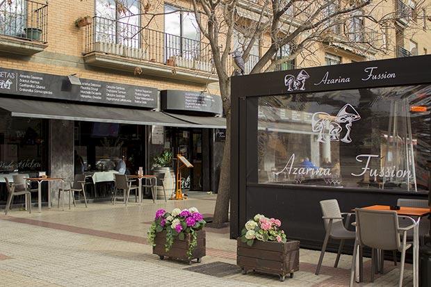 terraza del restaurante azarina fusion zaragoza