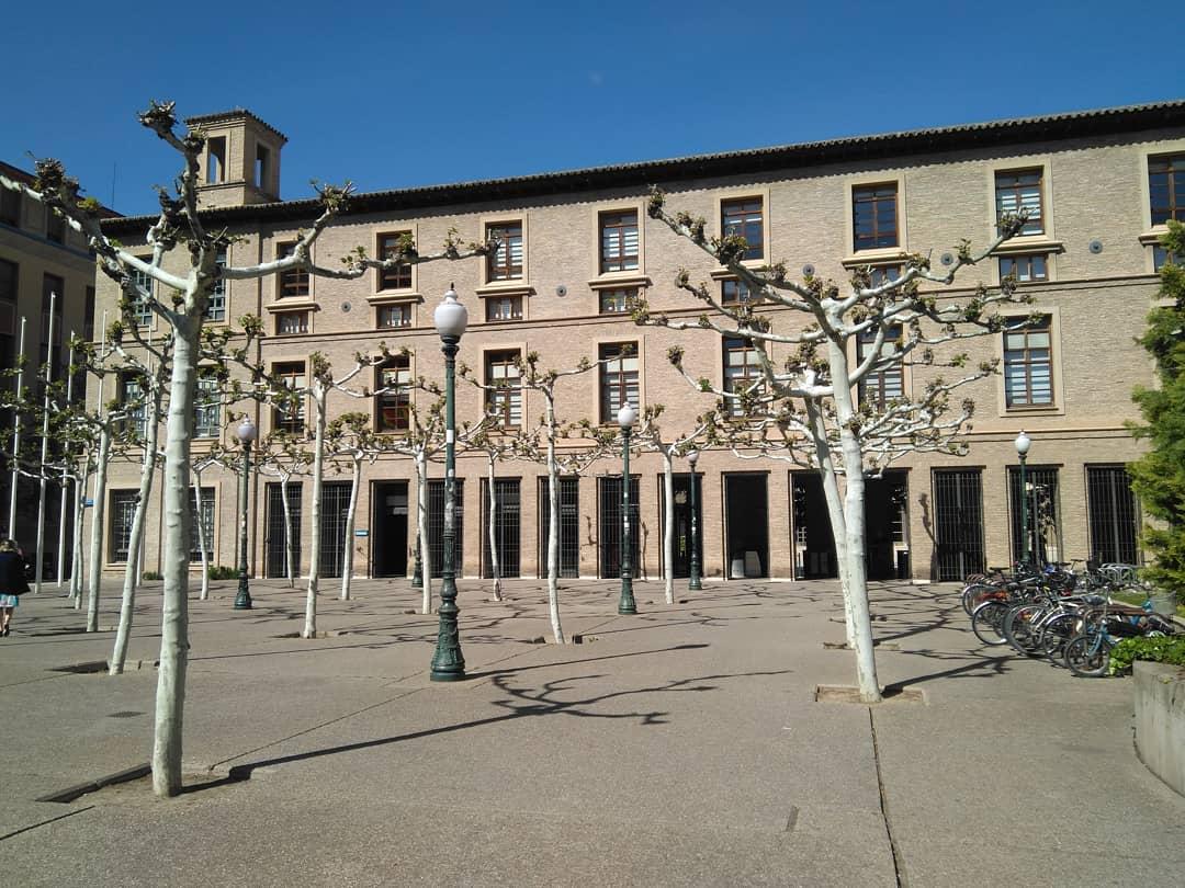 Patio abierto de la Casa Real de La Misericordia (actual sede de la Diputación General de Aragón)