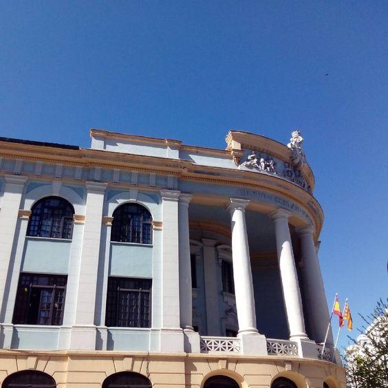 Exterior del Grupo Escolar Joaquín Costa