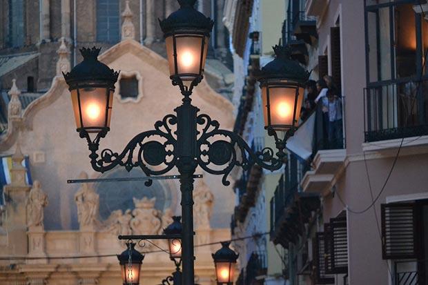 Farolas de la calle Alfonso de Zaragoza