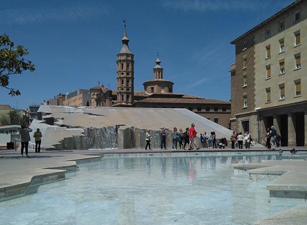 Fuente de la Hispanidad en Zaragoza
