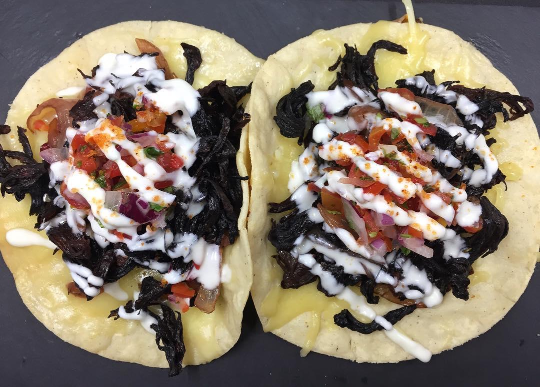 Nuestro platillo especial Tacos de Hibiscus