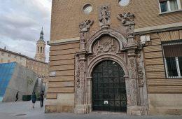 Portada del Palacio de los Salabert-Sora en la Plaza del Pilar