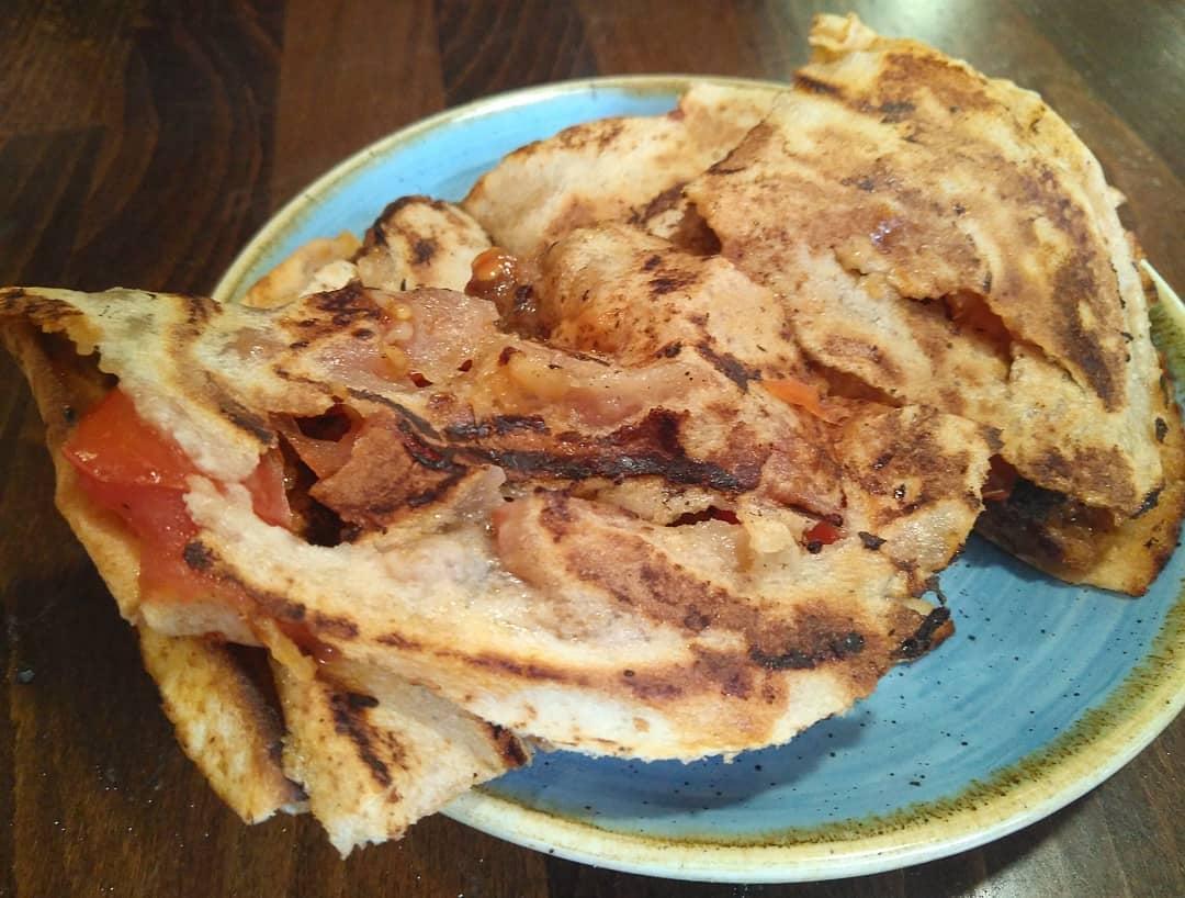 carne picada picante siria bar dumbo