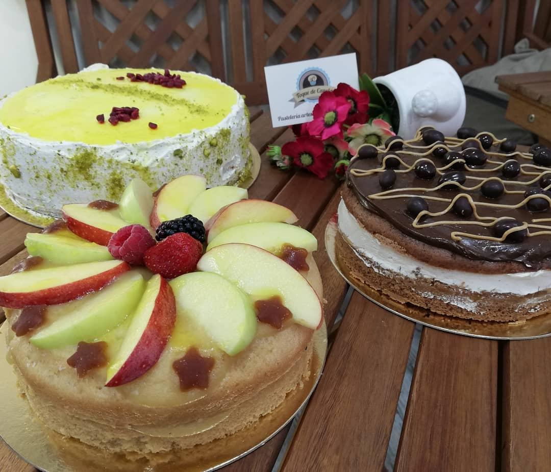 tartas de manzana y fruta en toque de canela
