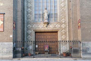 Iglesia del Sagrado Corazón (Museo de los Faroles y Rosario de Cristal)