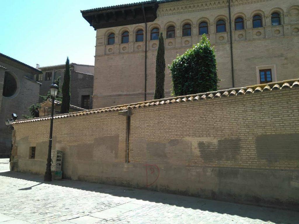 Vista del Palacio de la Real Maestranza desde la calle Cisne