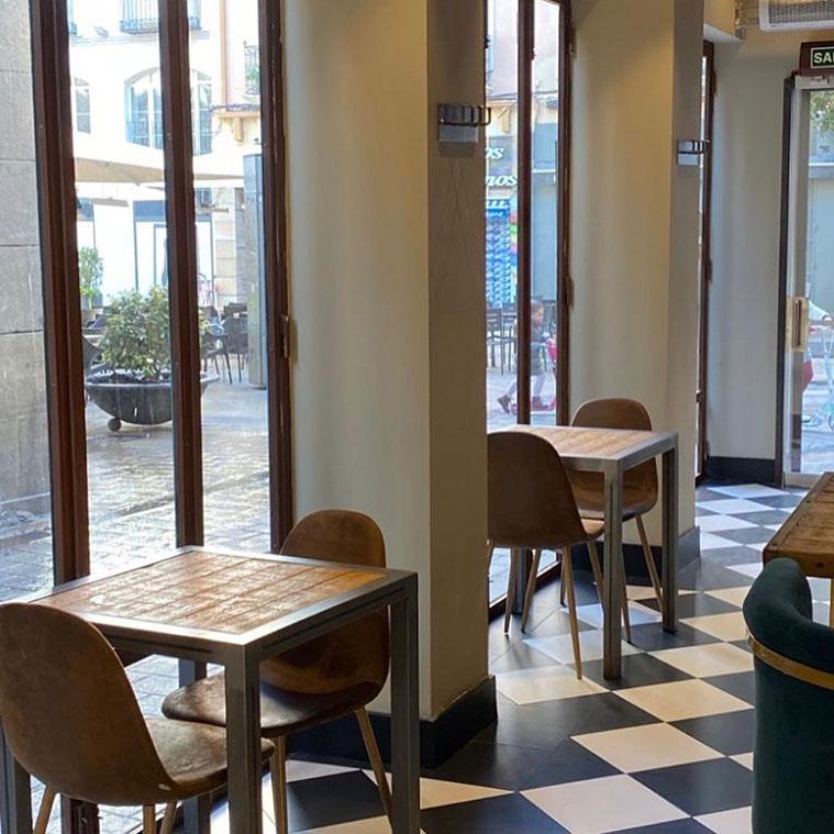 Vista de la plaza Sas desde el Restaurante La Miguería