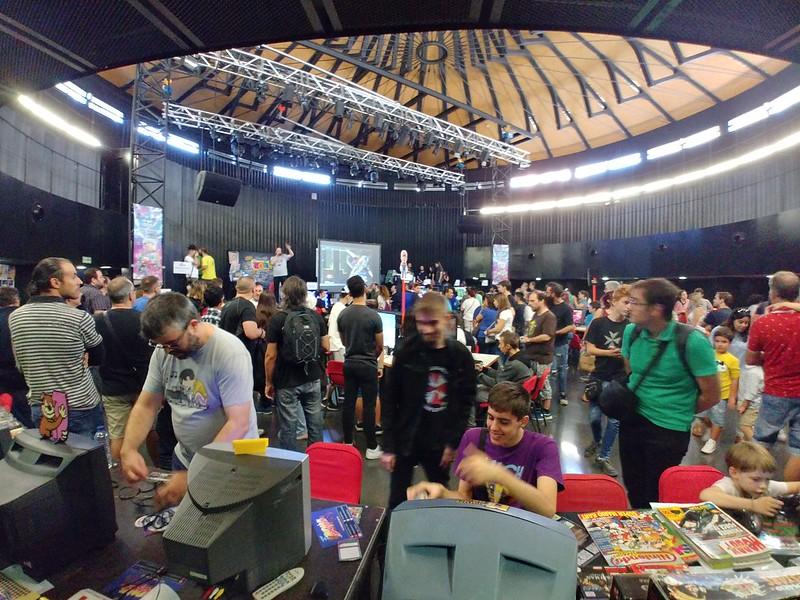 interior videojuegos retrozaragoza 2019