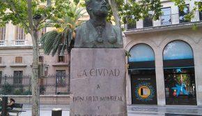 Monumento a Julio Monreal y Ximénez de Embún en la Plaza Aragón de Zaragoza