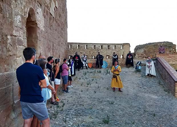 Recreación histórica en el exterior del castillo de Monzón