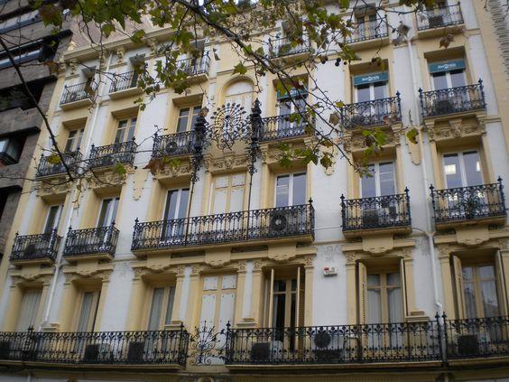 Fachada de la Casa de Manuel López Florez (Paseo Sagasta número 17)