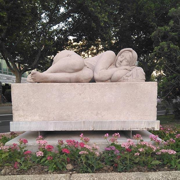 escultura La Siesta en el paseo sagasta de zaragoza
