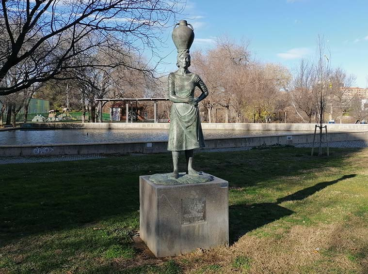 Monumento a las Aguadoras