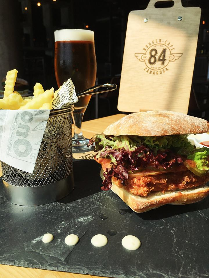 84 Burguer Café