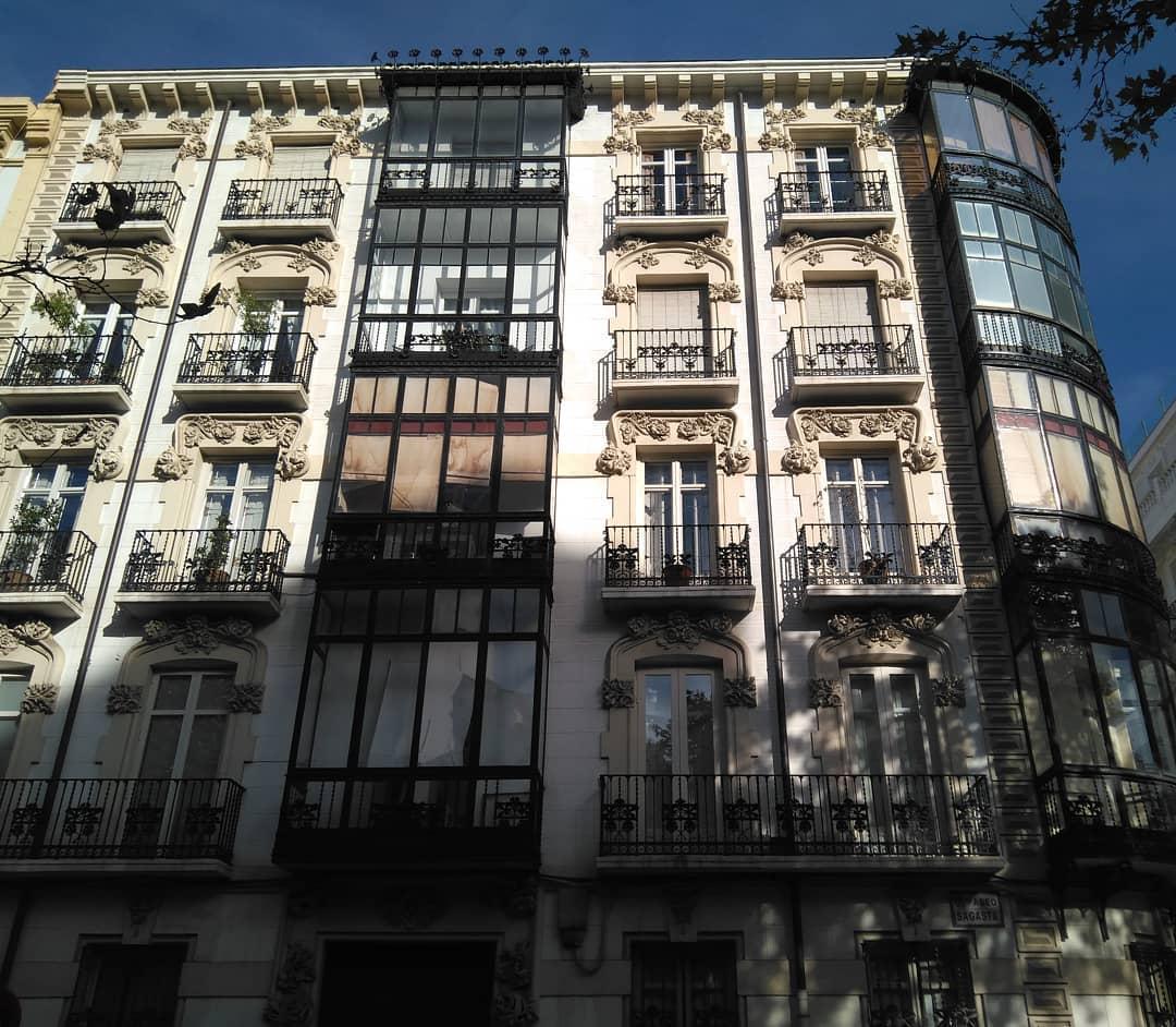 La Casa Corsini es un edificio de viviendas proyectado por Juan Francisco Gómez Pulido en 1904