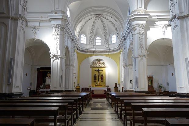 Interior de la Iglesia de San Juan Panetes de Zaragoza