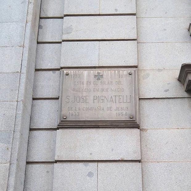 La Placa que recuerda dónde nació Ramón Pignatelli