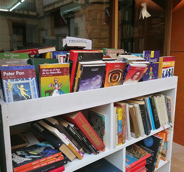 Libros de segunda mano en la Librería Anticuaria Luces de Bohemia