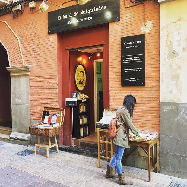 Libreria Luces de Bohemia calle mendez nunez