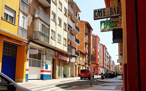 bar amblas zaragoza barrio de las delicias